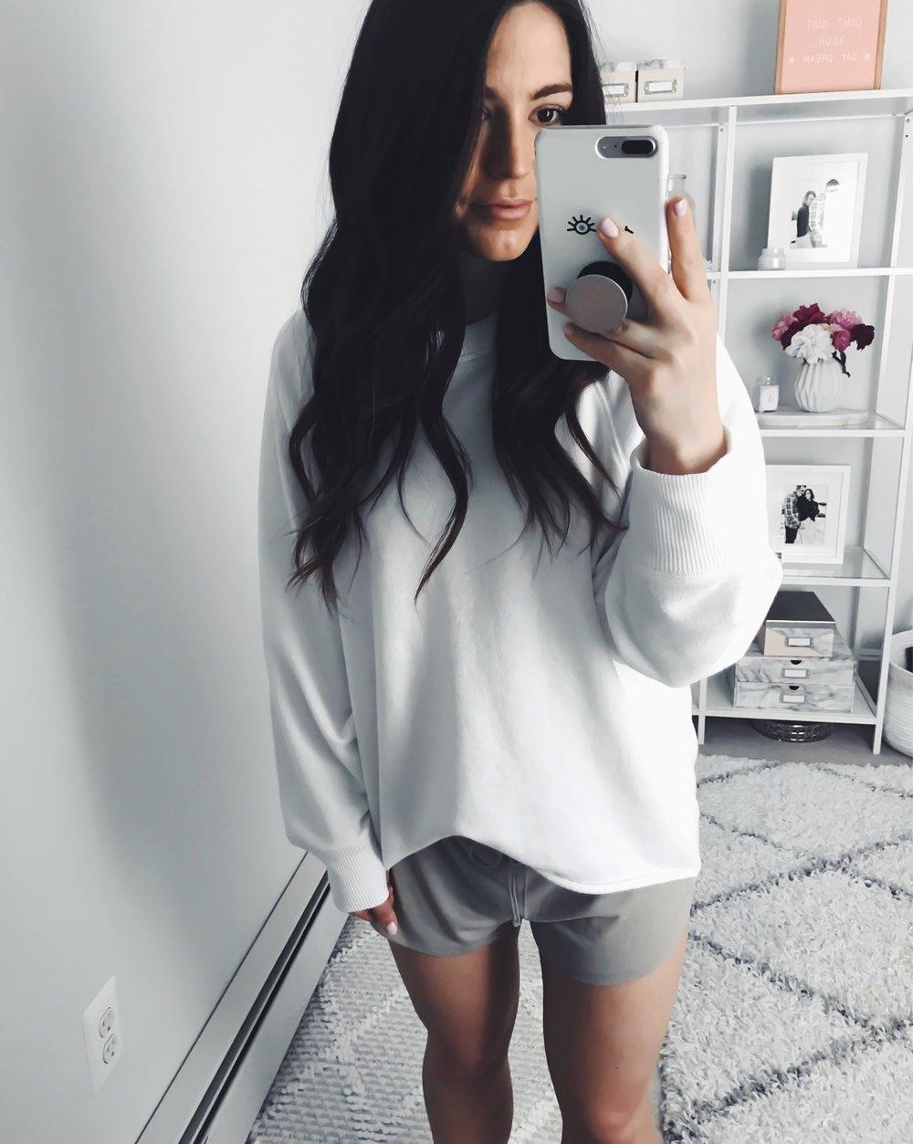 Instagram Round Up | Pine Barren Beauty | cozy outfit idea, aerie sweatshirt, aerie shorts, lounge wear