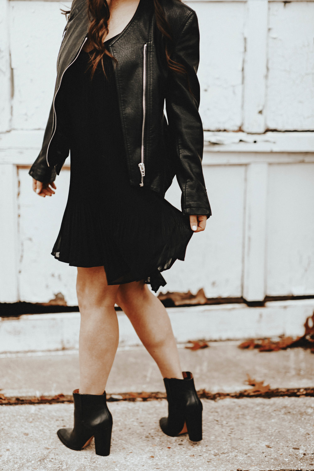 The Perfect LBD for the Holidays | Pine Barren Beauty | little black dress, holiday dress, holiday outfit idea, holiday outfit inspiration, gentle fawn little black dress
