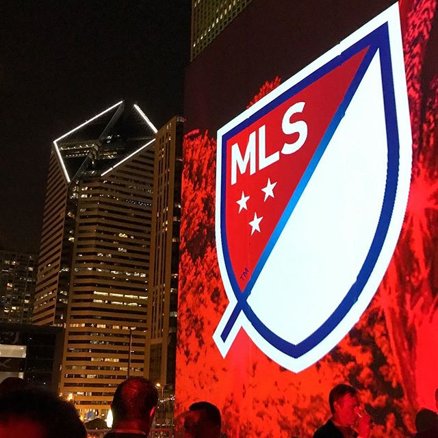 #mlsallstar event last night. Got to re-connect with the best marketers in the soccer industry (@giltedgesoccer) while enjoying the chicago skyline. . #soccermarketing #soccer #futbol #mls #skyline
