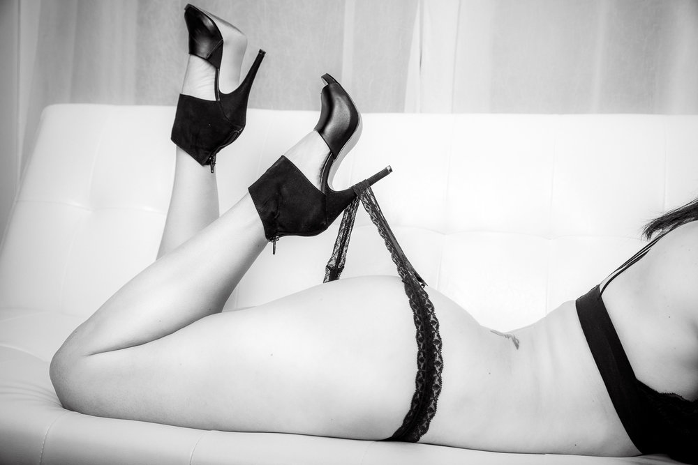 boudoir_stiletto_heels_g_string_black_lingerie.jpg