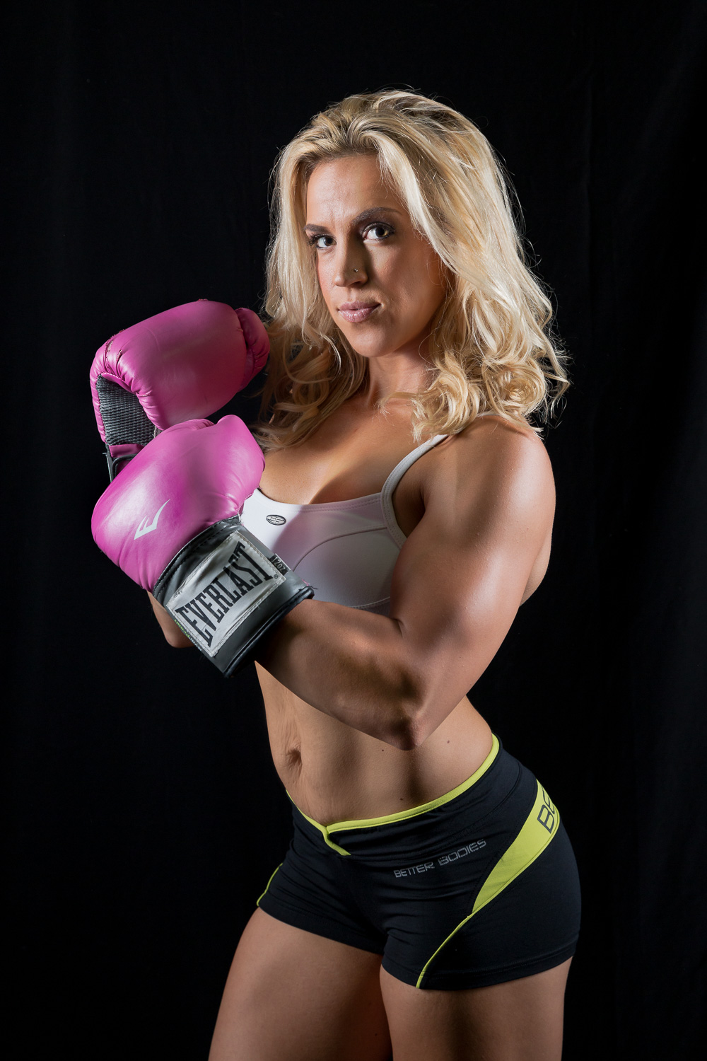 fitness_photography_portrait_pink_boxing_gloves.jpg