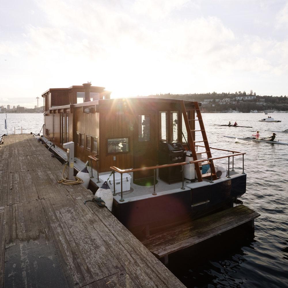 ajwells_houseboat-0006.jpg