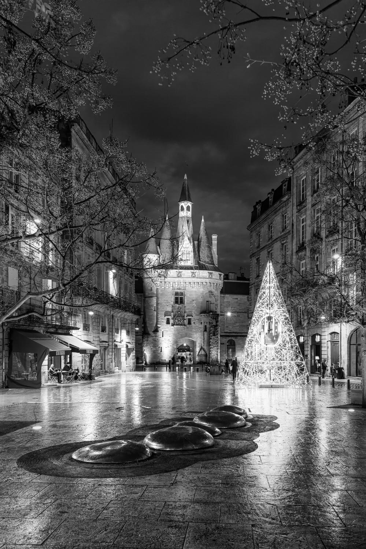 BX5 La porte Cailhau et illuminations de Noël