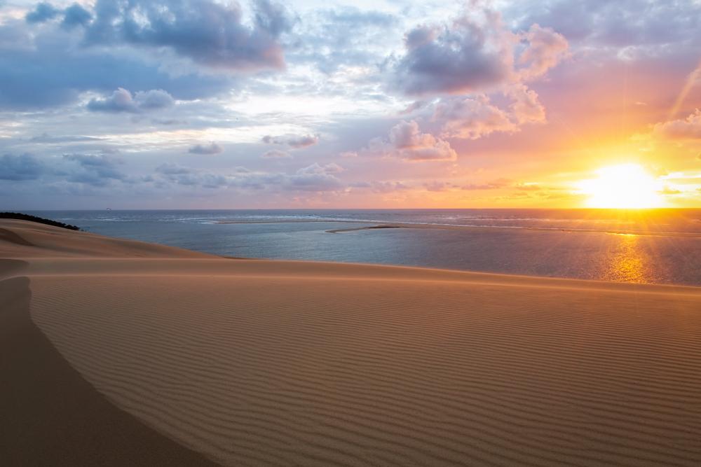 Coucher de soleil sur les sables