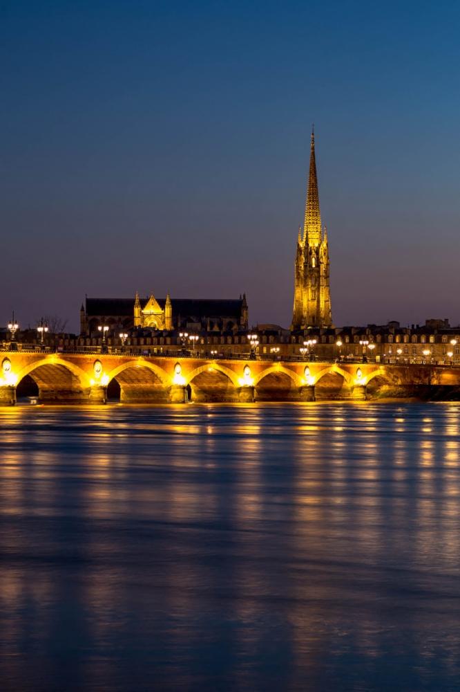 La basilique Saint Michel de nuit n°B16