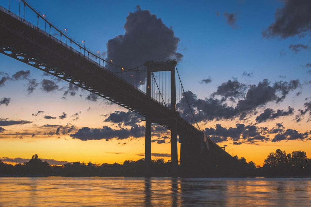 Pont d'aquitaine la nuit tombée photo B25