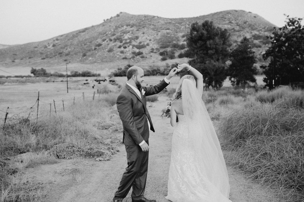 DianaLakePhoto-L+M-San-Diego-Wedding-Mr&Mrs138.jpg