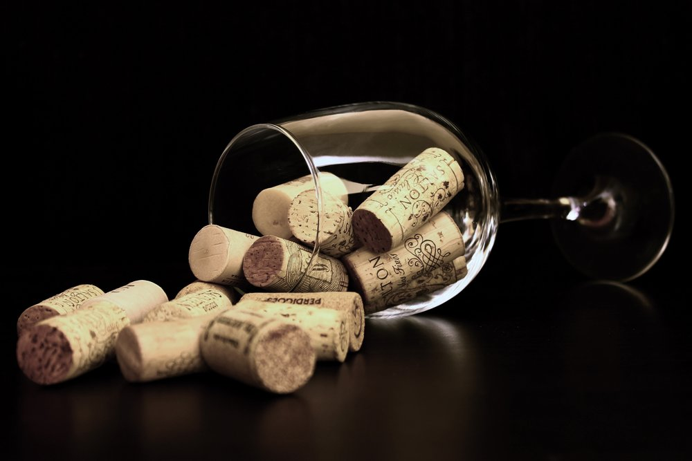 corks-wine-glass-36741.jpg
