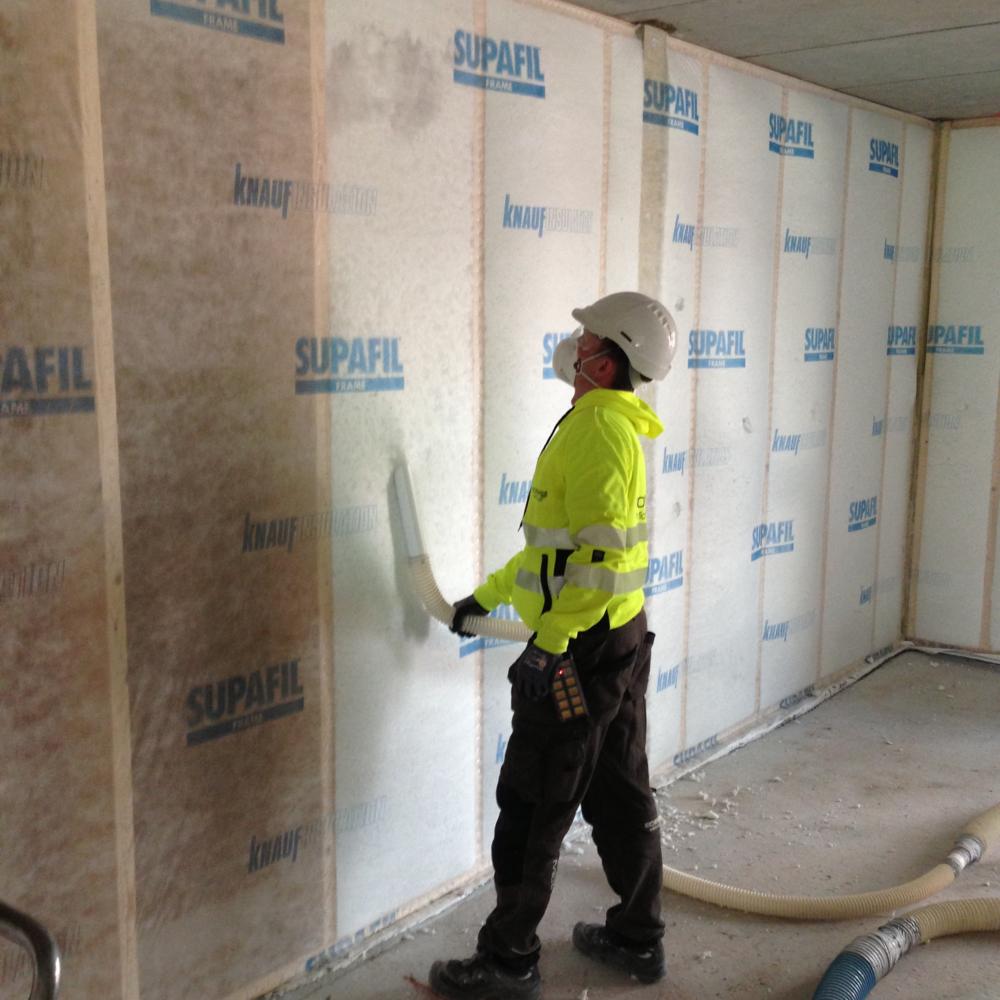 Isoenergi har lang erfaring med blåseisolering av vegg i nye konstruksjoner