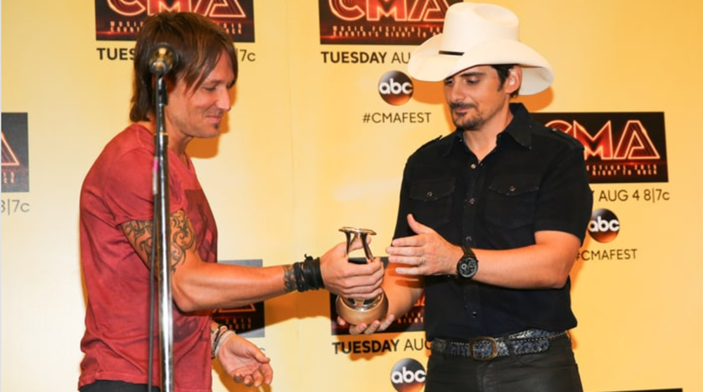 Rolling Stone Country: Brad Paisley Gets Galactic in International Award Acceptance Speech