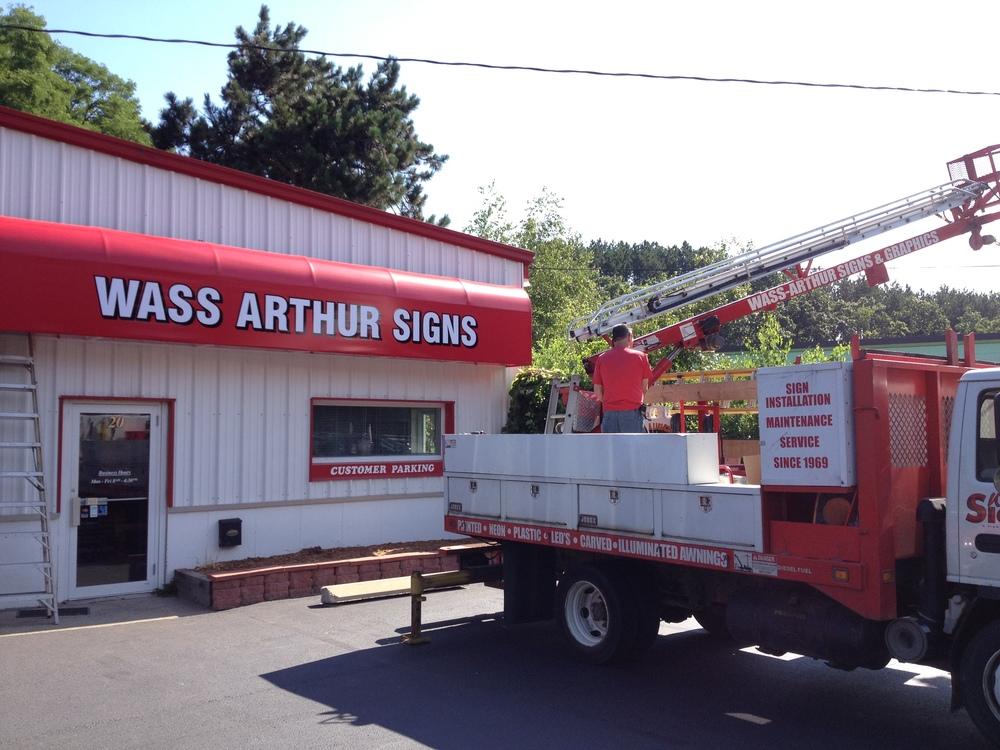 Wass Arthur Signs.JPG