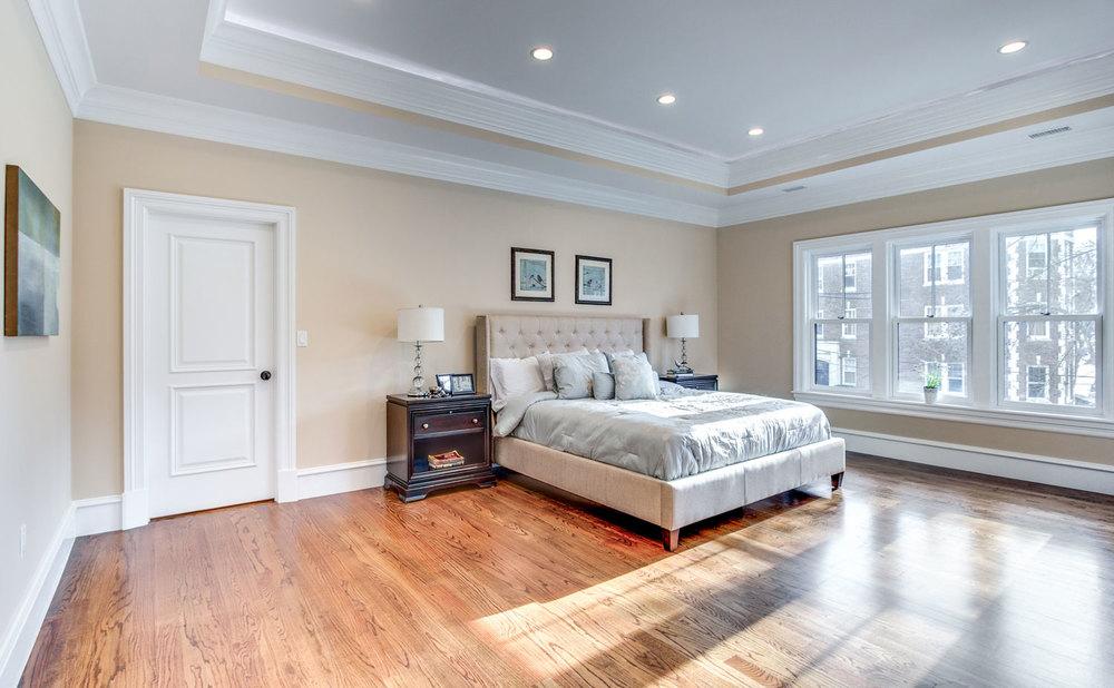 24_Master-Bedroom.jpg