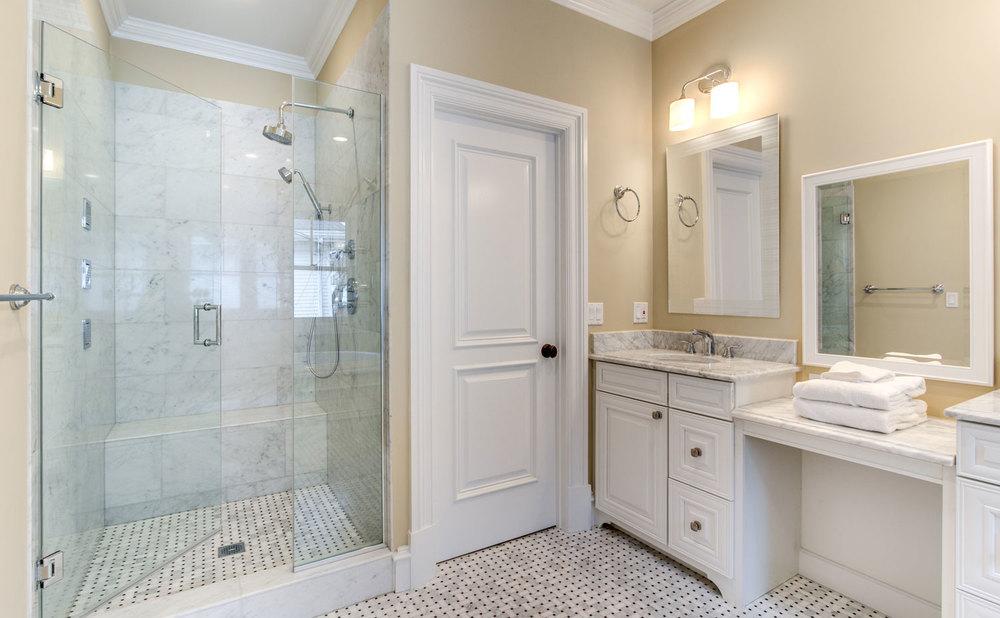 28_Master-Bathroom_3.jpg