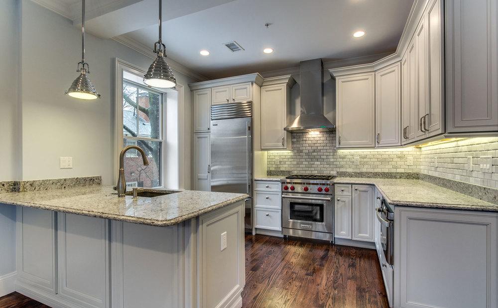 2_Kitchen_2.jpg