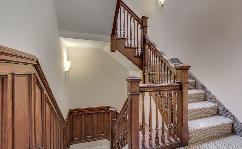 28_Upstairs-Hall.jpg