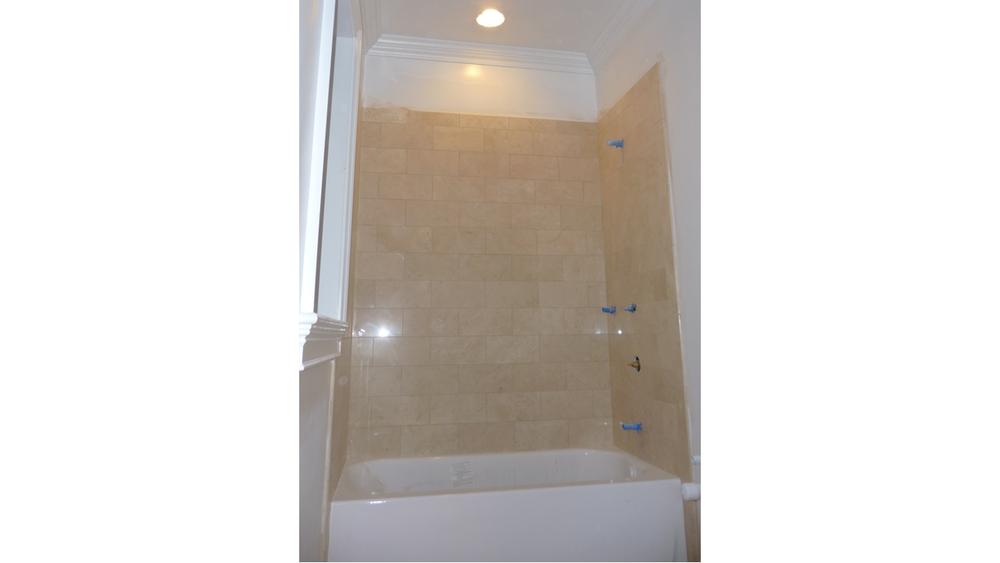 142 Fuller - Website Photo - Bathroom Tile.png