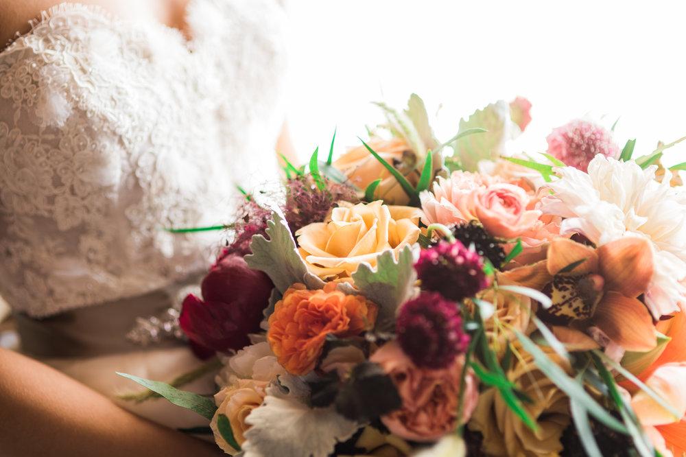 bridal bouquet, floral design, Parie Designs