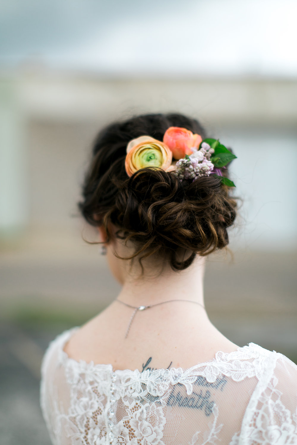 wedding floral hair piece design by Parie Designs, Amarillo Texas wedding coordination and design