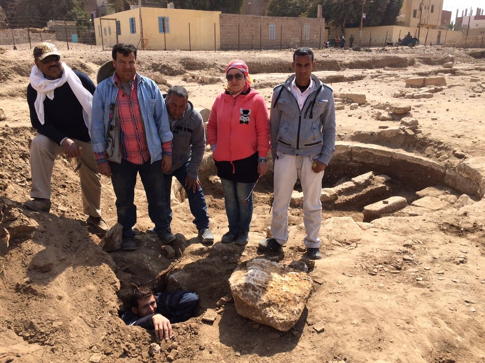 From left: Fathy, Hamada, Salama, Nesren and Ramadan with Mohamed below in the sloping passage with the well (and dig house) in the background.