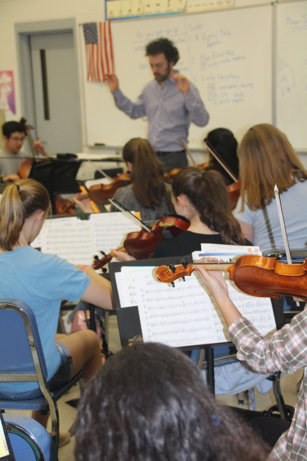 Eric conducts a Chamber Music class at FWMS, Fairfield