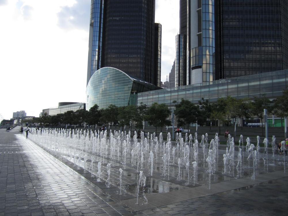 GM_Plaza_and_Promenade.JPG