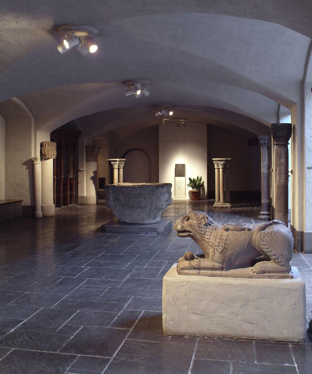 Romanesque-Hall-empty.jpg
