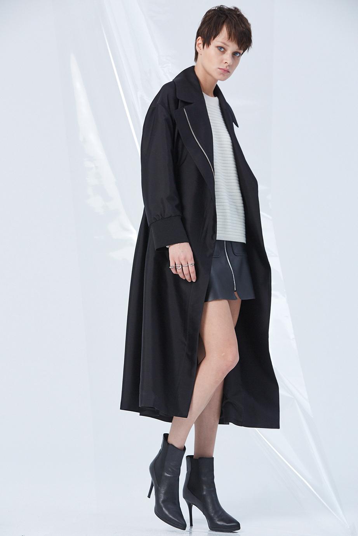 Coat GC07055 | Sweater GC06418 | Skirt GC63433