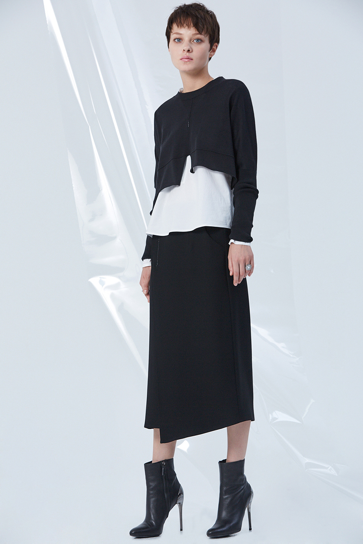 Jacket GC06406 | Skirt GC03256