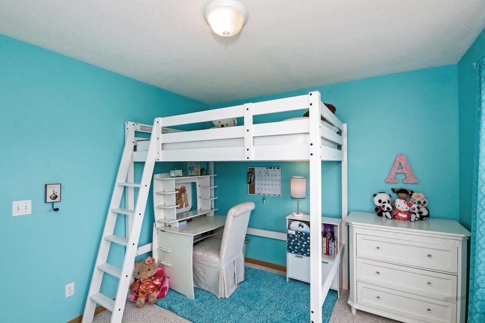 17 Bedroom 1.jpg