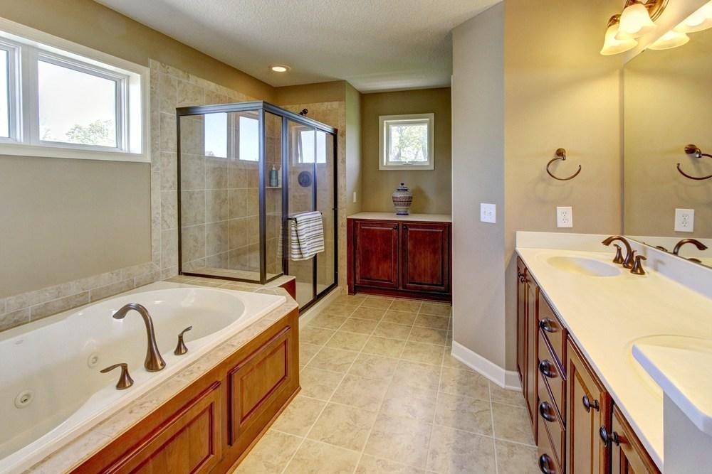 021_Master Bathroom.jpg