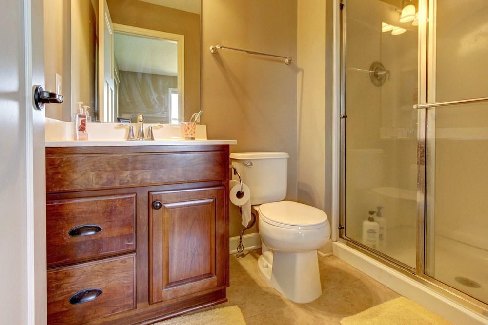 031_Junior Suite Bath.jpg