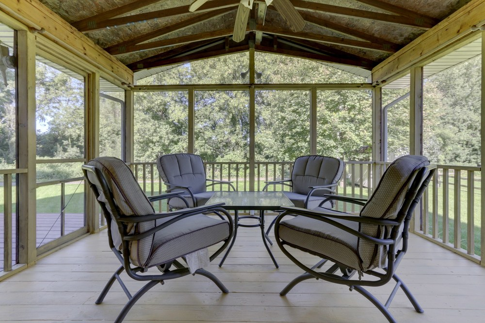 013_Screened Porch.jpg