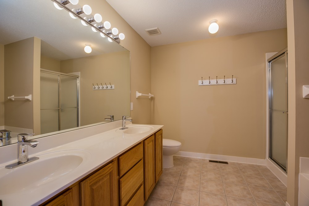 025_Master Bathroom.jpg