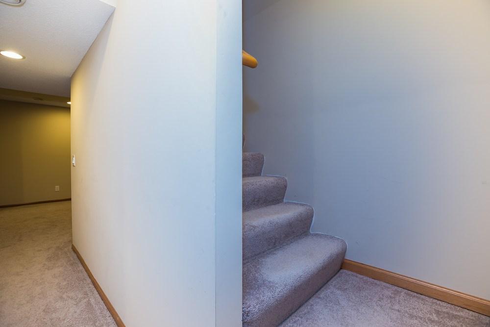 031_Stairway LL.jpg