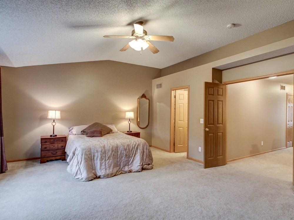 017_Master Bedroom.jpg
