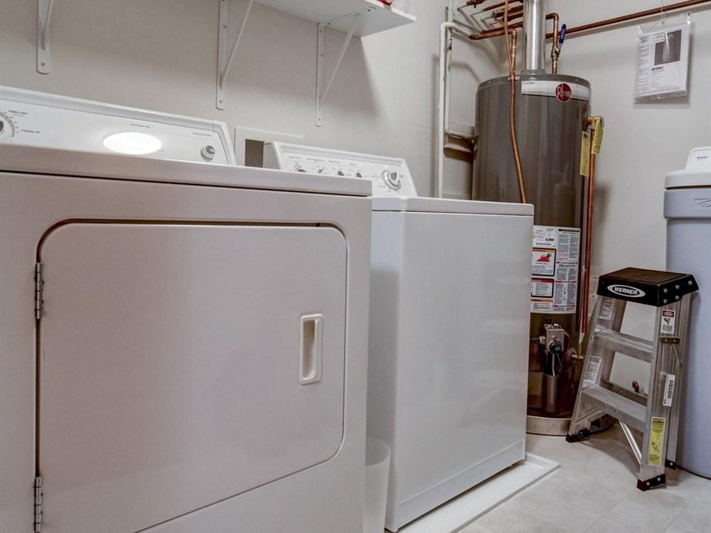025_UL Laundry.jpg