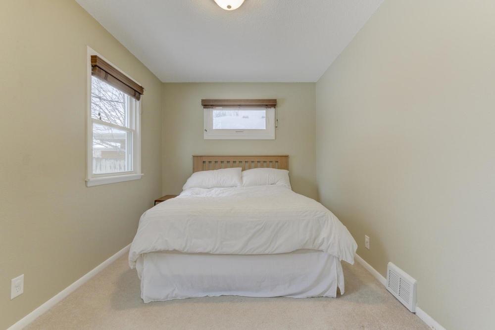 4906 Old Cedar Lake Rd St-large-011-9-Master Bedroom-1500x1000-72dpi.jpg