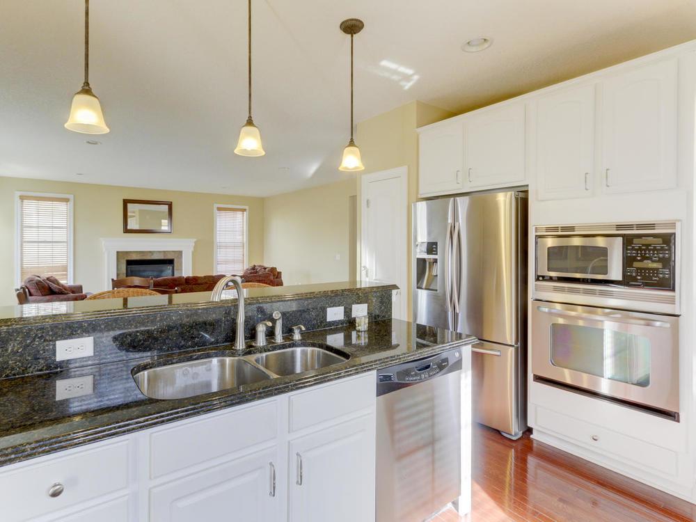12625 85th Pl N Maple Grove MN-large-012-11-Kitchen-1334x1000-72dpi.jpg