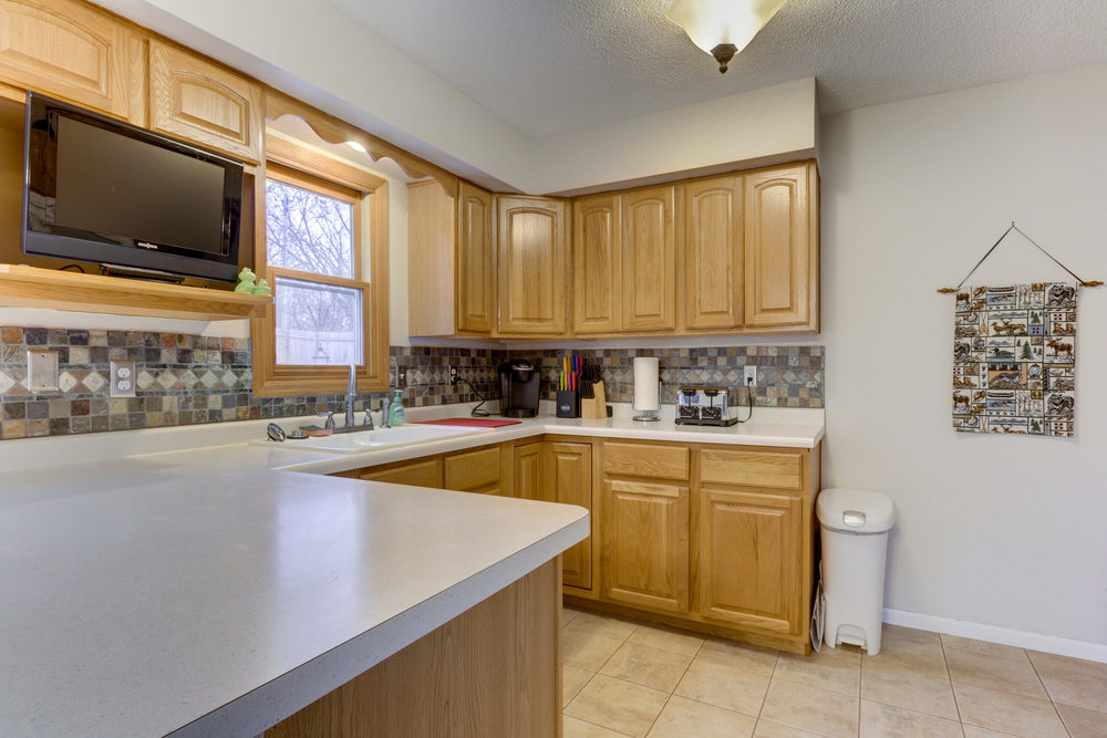 6734 Berkshire Ln N Maple-print-008-6-Kitchen-3000x2000-300dpi.jpg