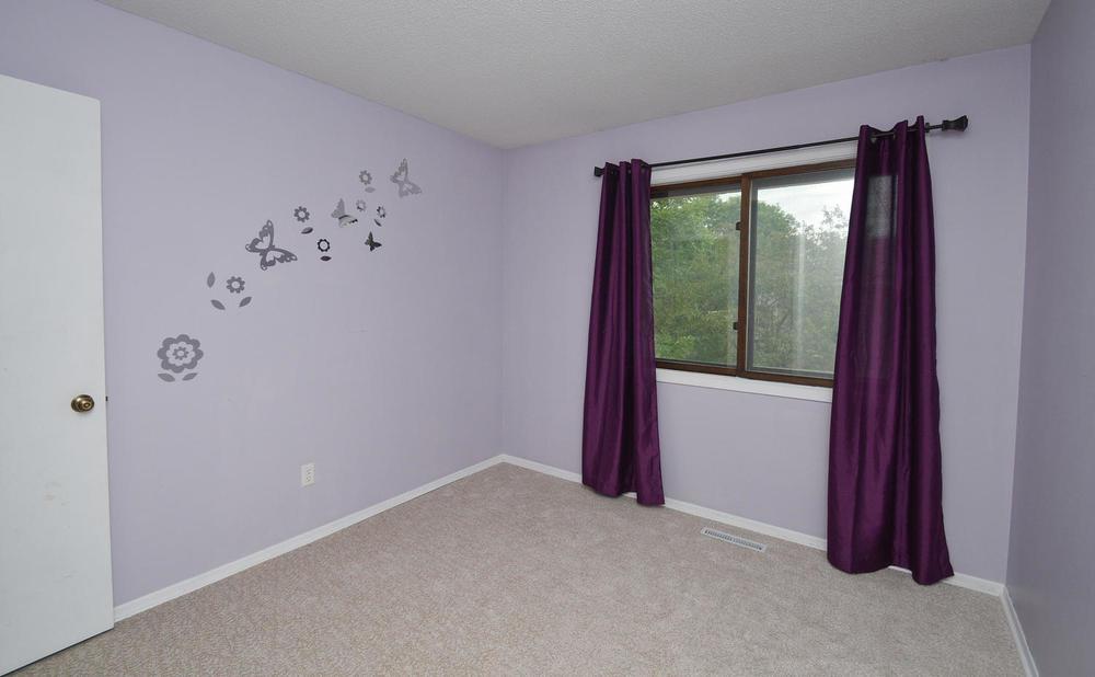 13721 86th Avenue N Maple-large-009-12-Bedroom-1500x928-72dpi.jpg