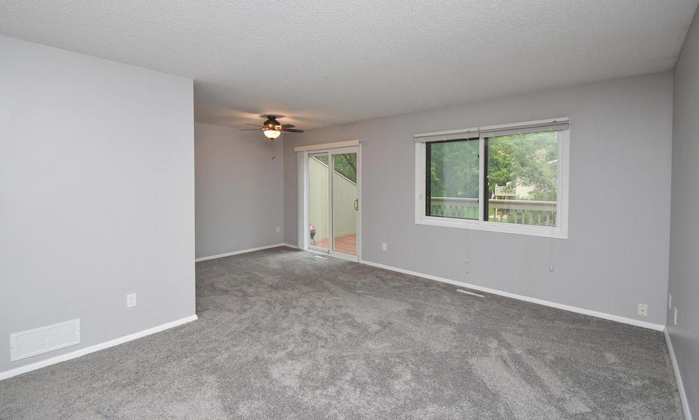 13721 86th Avenue N Maple-large-012-5-Living Room-1500x903-72dpi.jpg