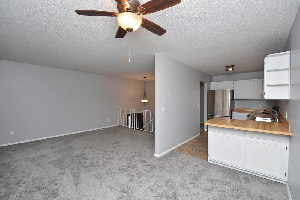 13721 86th Avenue N Maple-large-016-18-Dining RoomKitchen-1496x1000-72dpi.jpg