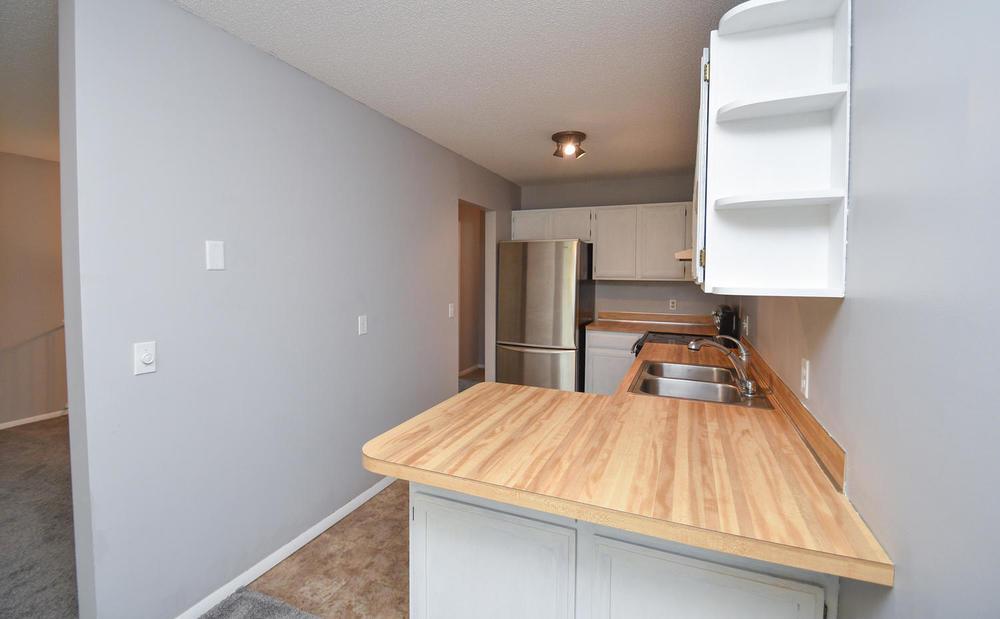 13721 86th Avenue N Maple-large-019-10-Kitchen-1500x929-72dpi.jpg