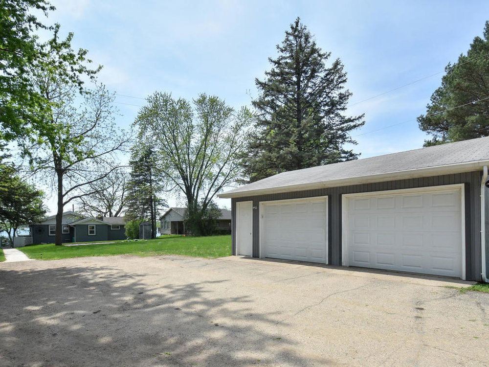 11719 89th Street NW Annandale-MLS_Size-002-11-Exterior Garage-1024x768-72dpi.jpg