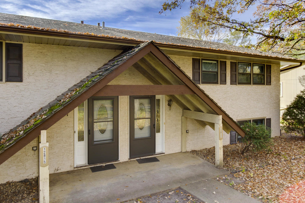 12815 15th Ave N Minneapolis-large-002-18-Front Entry-1500x998-72dpi.jpg