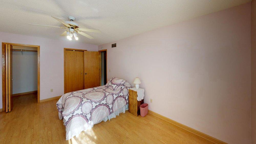 60th-nre-Bedroom(1).jpg