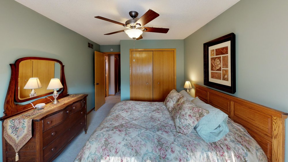 60th-nre-Bedroom(3).jpg