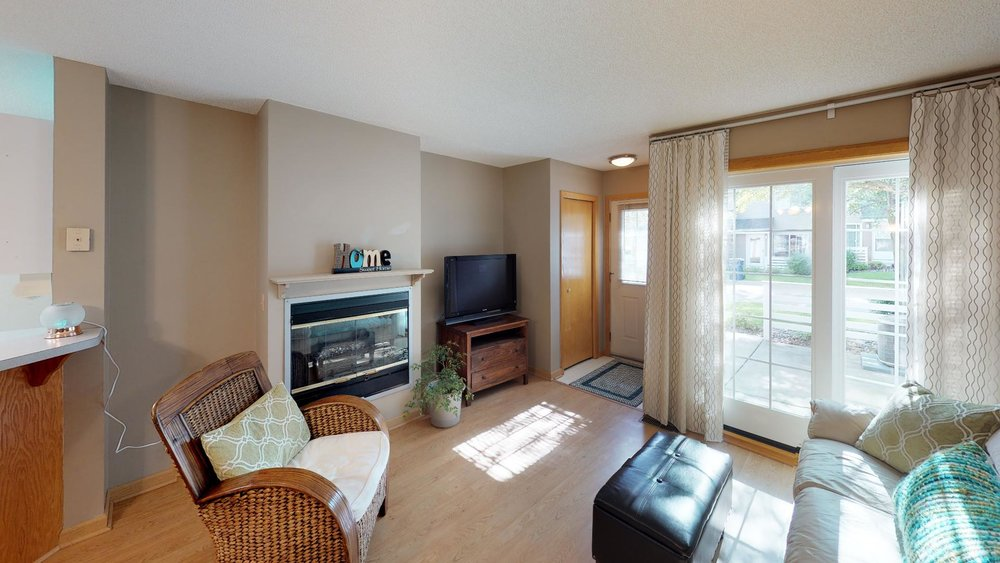 13485-60th-Place-N-4-Plymouth-MN-55446-Living-Room.jpg