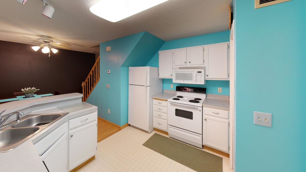 13485-60th-Place-N-4-Plymouth-MN-55446-Kitchen.jpg