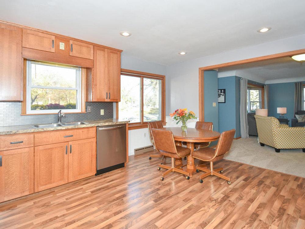 345 Oak Ave N Annandale MN-009-5-Kitchen-MLS_Size.jpg